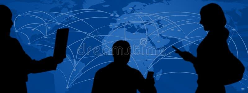 社会媒介,在手中拍与电话的人们照片 皇族释放例证