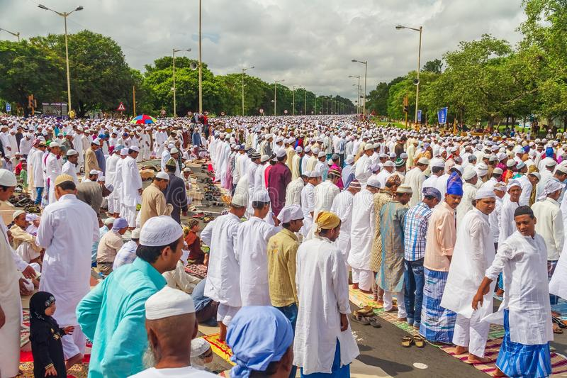 祈祷在Eid AlFitr在加尔各答 免版税库存图片