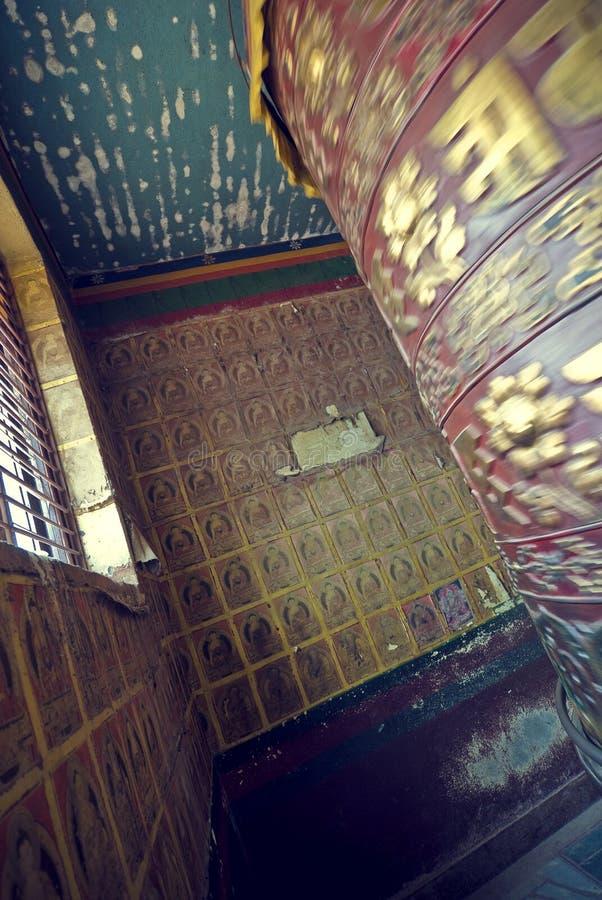 祈祷的西藏轮子 库存照片