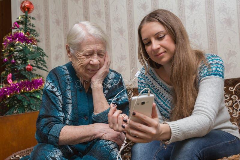 祖母和granddaughte 免版税库存照片