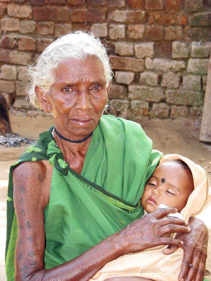 祖母孙子印第安部族 库存照片