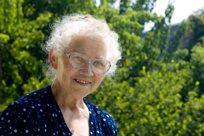 祖母微笑 免版税库存照片