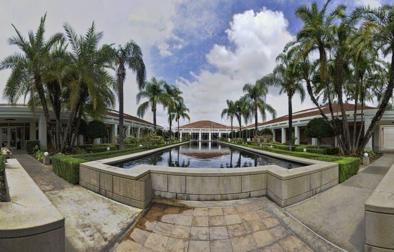 祝愿水池的尼克松图书馆 免版税图库摄影