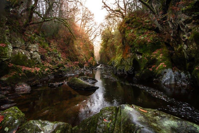 神仙的幽谷壮观的日落视图在Betws y男女共学的在斯诺多尼亚国立公园,威尔士 免版税库存照片