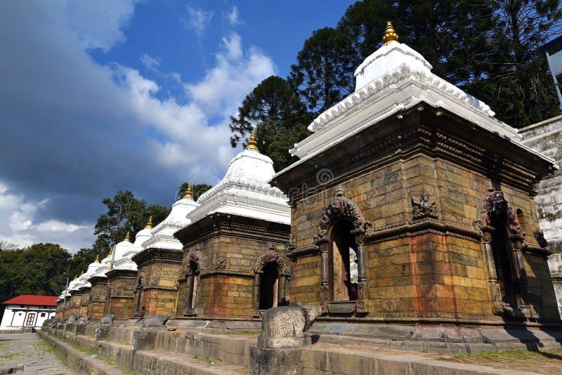 神圣的印度寺庙在Pashupatinath,尼泊尔 免版税库存图片