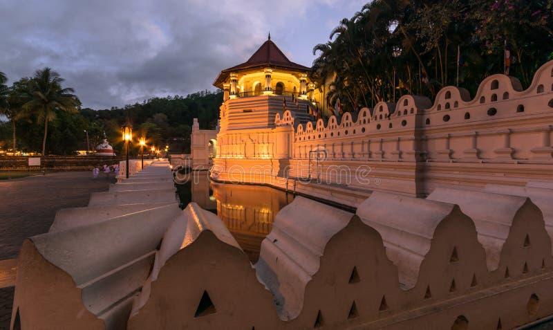 神圣的牙遗物的寺庙在康提,斯里兰卡 库存照片