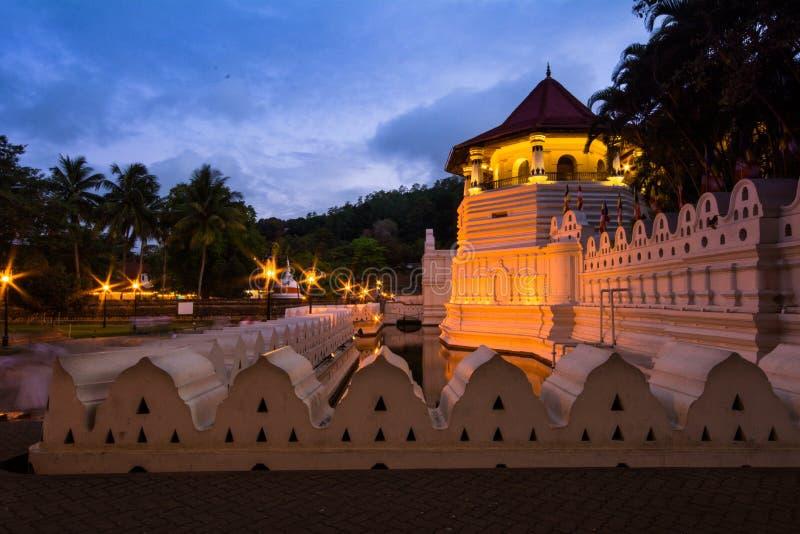 神圣的牙遗物的寺庙在康提,斯里兰卡 图库摄影