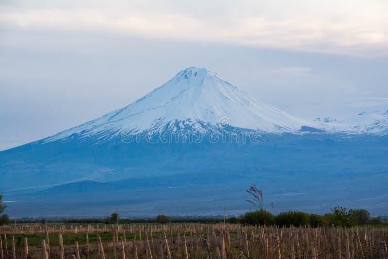神奇的西斯山 从亚美尼亚看 免版税图库摄影