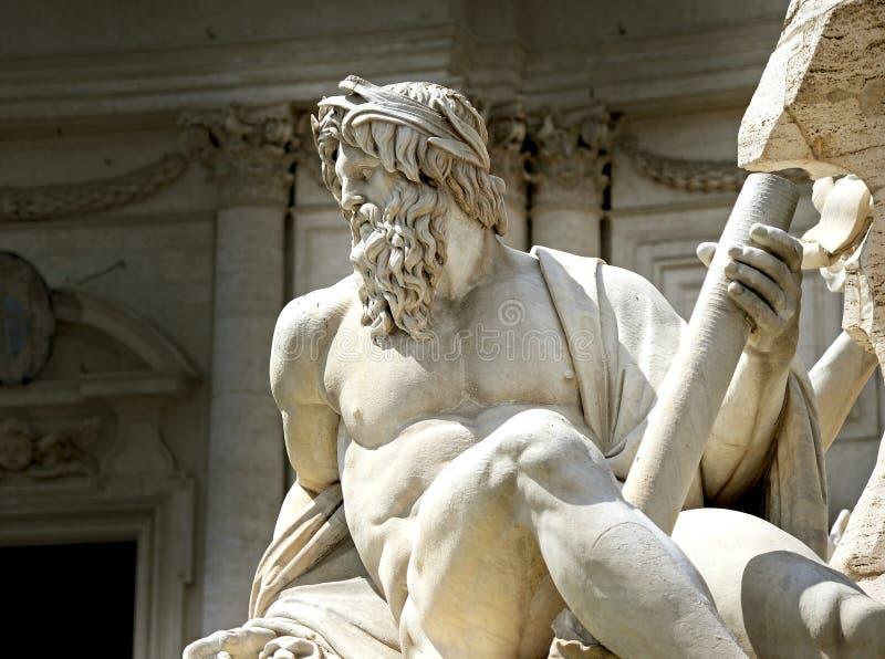神宙斯的雕象在贝尔尼尼的喷泉 免版税库存图片