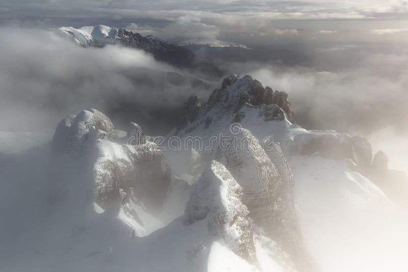 神秘的山顶-鸟瞰图 库存图片