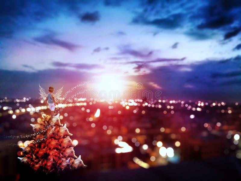 神仙的在都市风景的儿童观看的日出 免版税库存图片