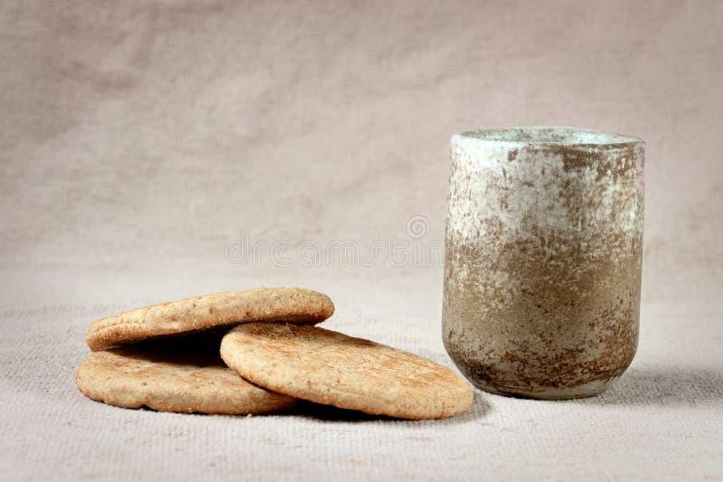 祭坛用酒和面包 免版税图库摄影