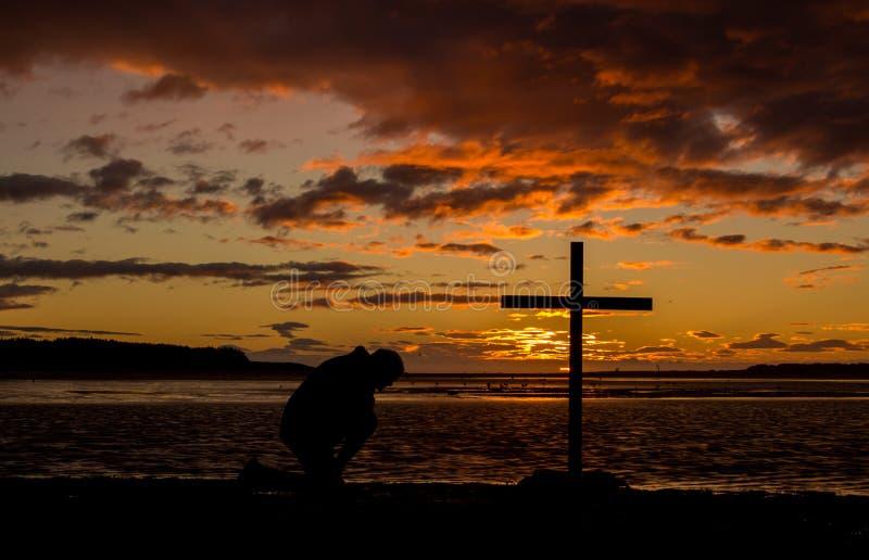 祷告十字架  免版税库存照片
