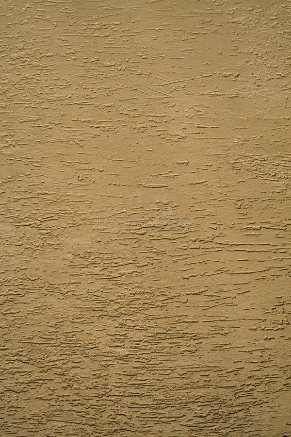 禁止参差不齐的墙壁黄色 免版税库存照片