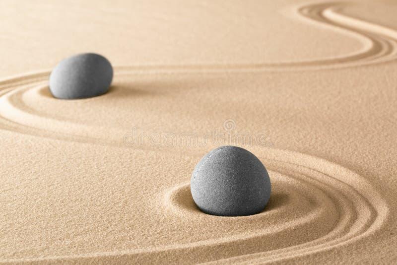 禅宗向纯净和谐和平衡扔石头 免版税图库摄影