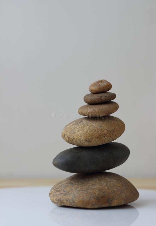 禅宗和谐平衡石头 库存照片