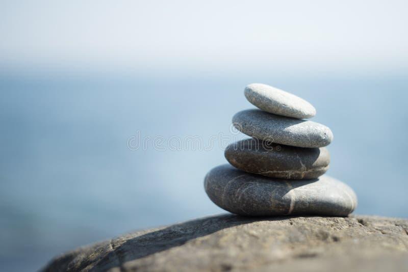 禅宗石头,凝思 佛教的符号 平静 免版税库存照片