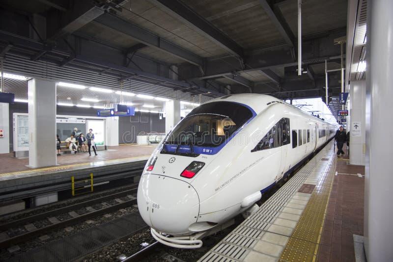 福冈,日本- 10月24 :Shinkansen在福冈, 10月的日本 库存图片