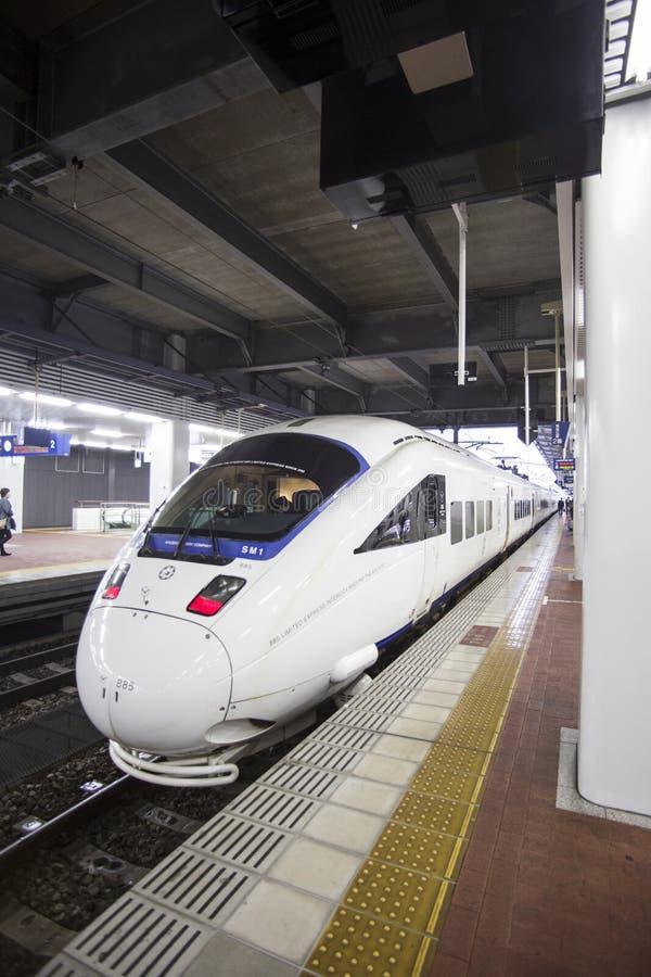 福冈,日本- 10月24 :Shinkansen在福冈, 10月的日本 库存照片