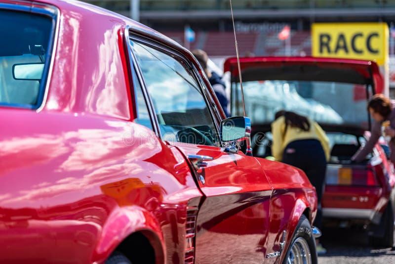 福特谢尔比GT 350在montjuic精神巴塞罗那电路车展的眼镜蛇野马 免版税库存图片