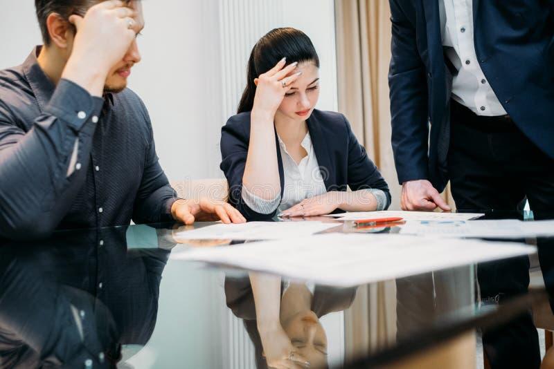 离婚法定问题纸屑子家庭律师 图库摄影