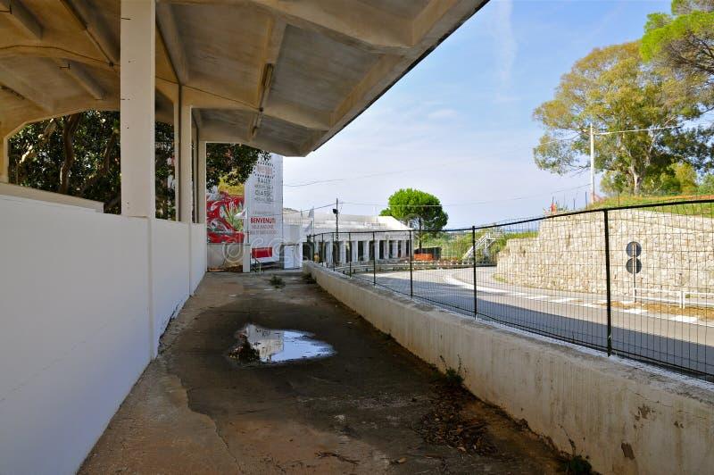 离开赛跑复杂正面看台, Floriopolis,切尔达,西西里岛 库存图片