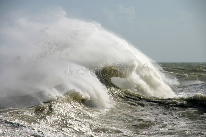Download 离经叛道之人的通知 库存照片. 图片 包括有 有风, 风雨如磐, 粗砺, 泡沫, 浪花, 海运, 风暴, 海洋 - 57206