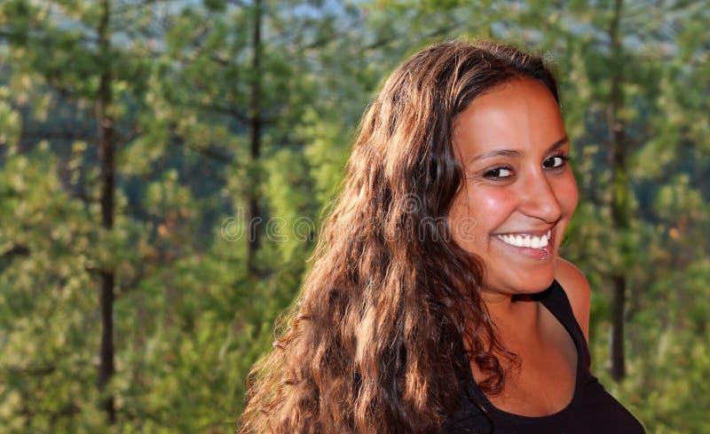 秀丽印第安自然妇女 库存图片