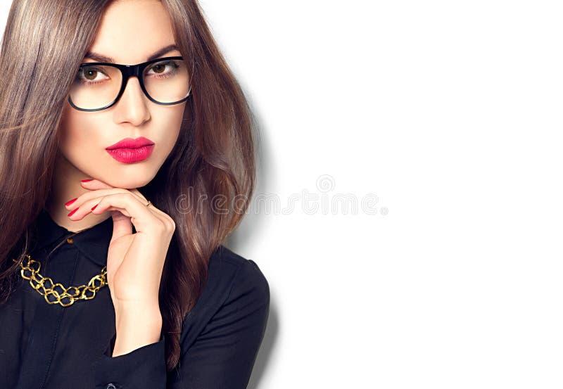 秀丽性感的时装模特儿女孩佩带的玻璃 免版税库存照片