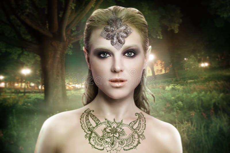 秀丽时装模特儿妇女面孔 免版税库存图片