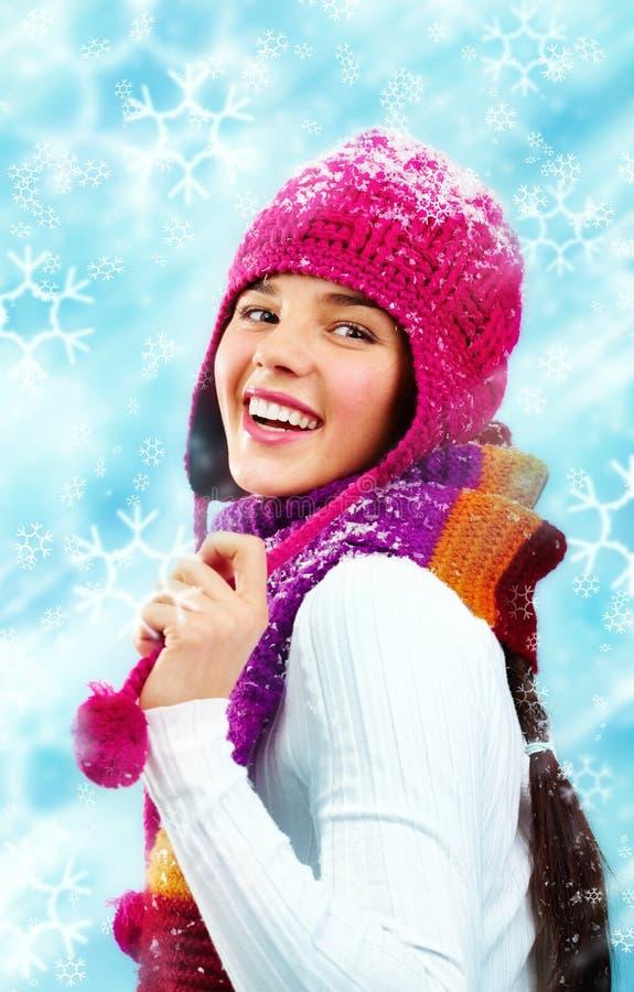 秀丽给快乐的冬天穿衣 免版税库存图片