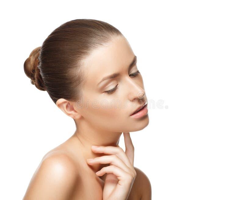 秀丽画象魅力美丽的少妇感人的脖子 免版税库存图片