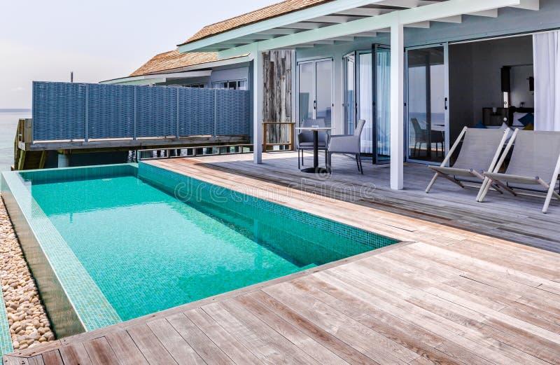 私有游泳池在马尔代夫 库存图片