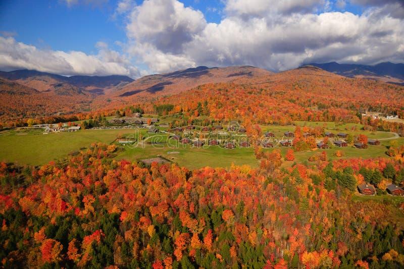秋叶鸟瞰图在Stowe,佛蒙特 免版税图库摄影