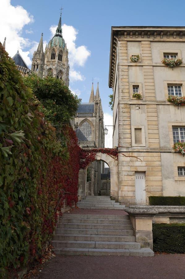 秋天上色法国房子常春藤典型 库存照片