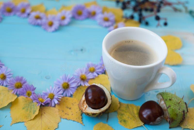 秋天咖啡背景 库存图片