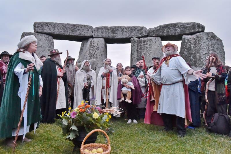 秋天在巨石阵的Equninox庆祝 库存图片