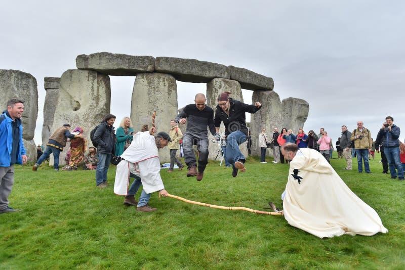 秋天在巨石阵的Equninox庆祝 免版税库存照片