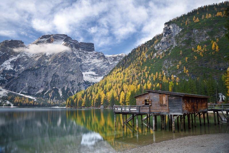 秋天在阿尔卑斯。 免版税库存图片