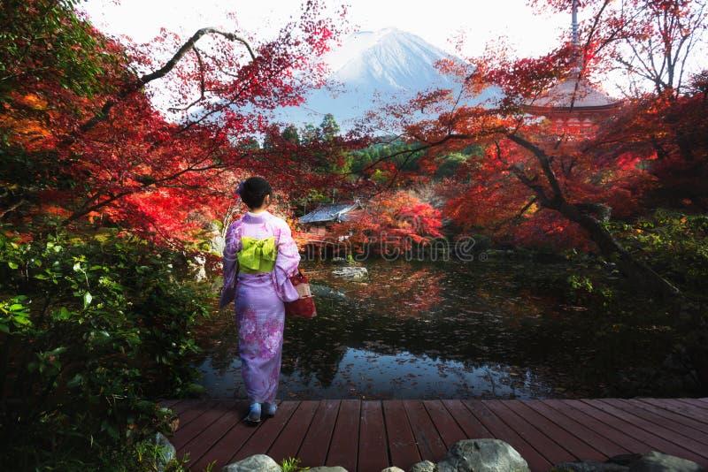 秋天季节在日本 库存照片