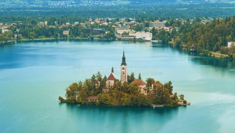 秋天或秋季在流血的湖 免版税库存照片