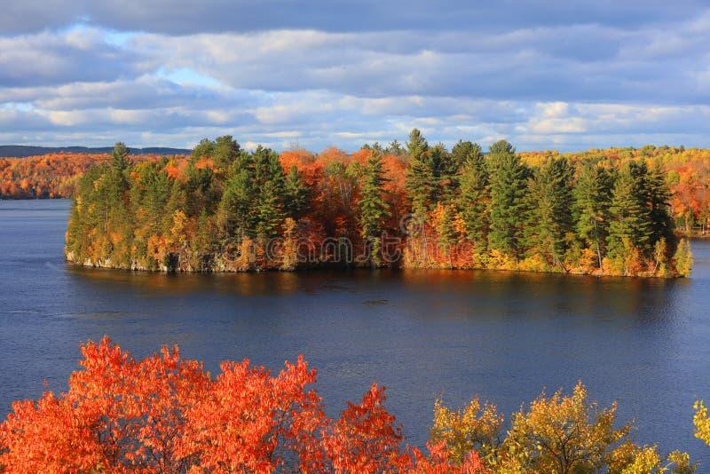 秋天时间的里维埃圣莫里斯在盛大仅仅附近 图库摄影