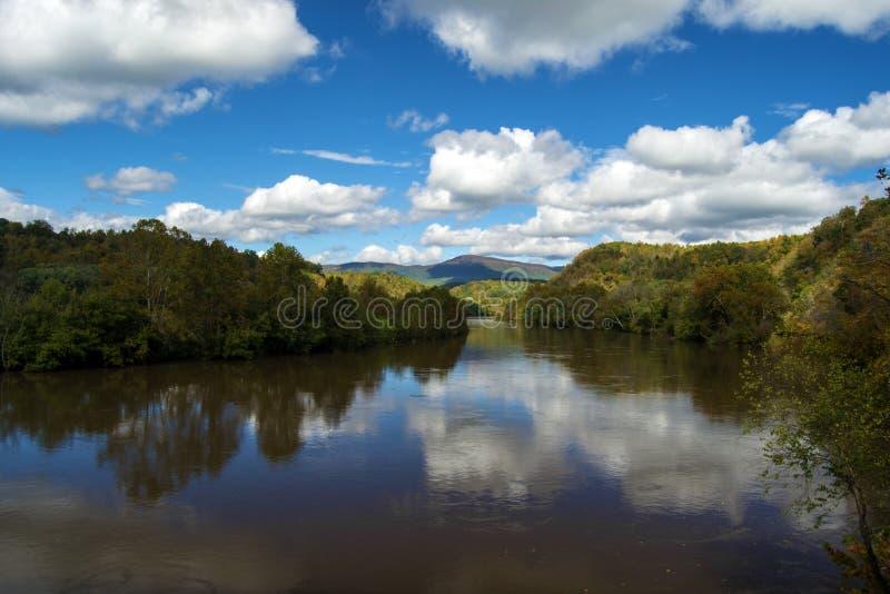 秋天的詹姆斯河 库存图片