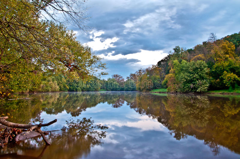 秋天的Monocacy河 库存图片