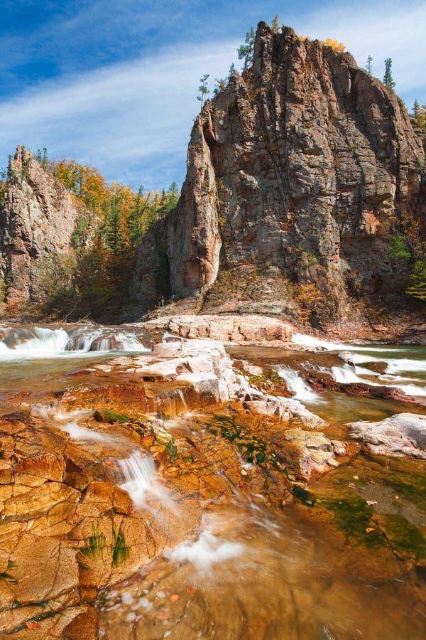 秋天红色岩石 库存照片