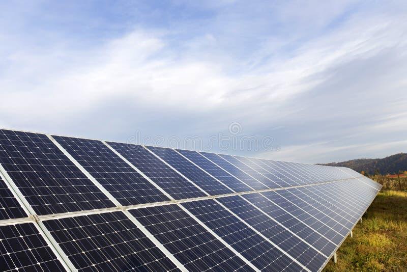 秋天自然的太阳动力火车 库存图片