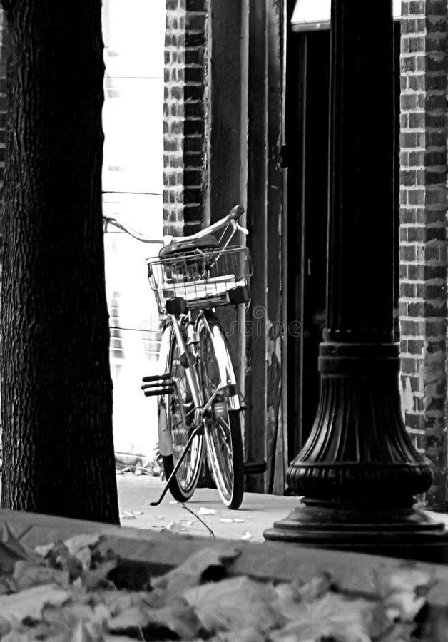 秋天自行车在一好秋天天 图库摄影