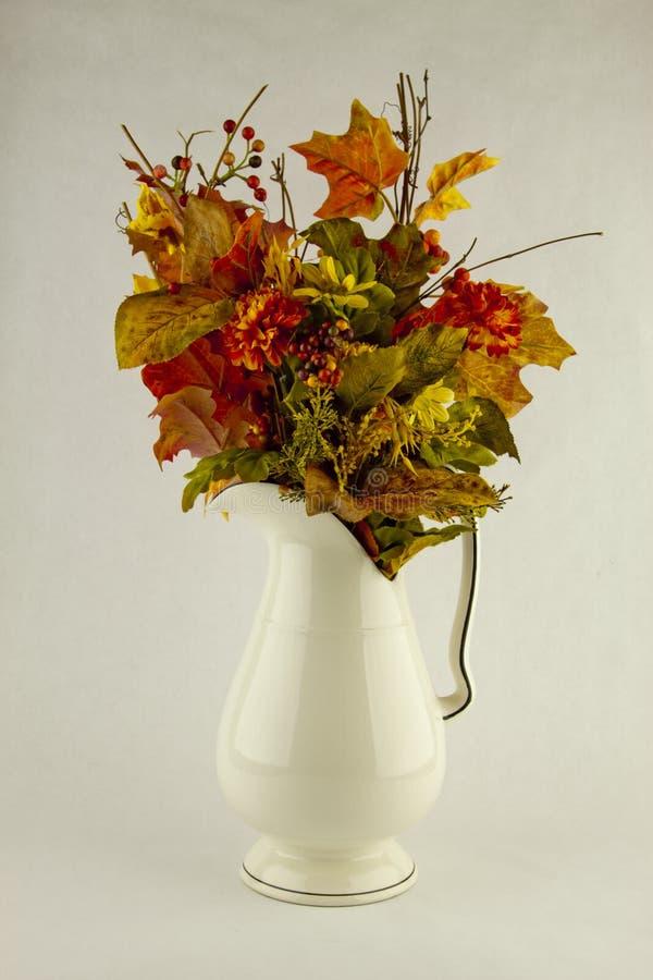 秋天花的布置 图库摄影