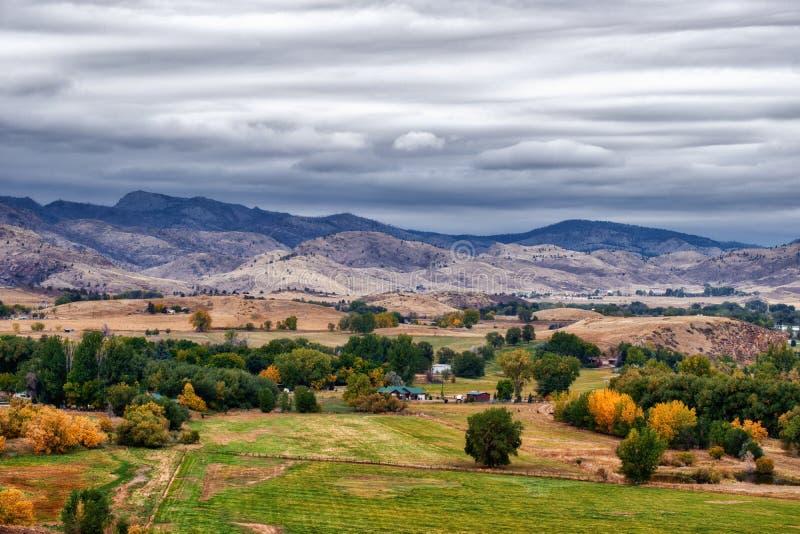 秋天起始在中西部的山麓小丘的 库存照片