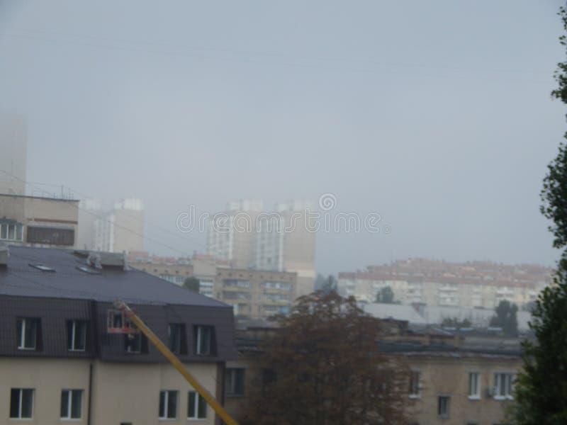 秋天雾早晨上面 库存图片
